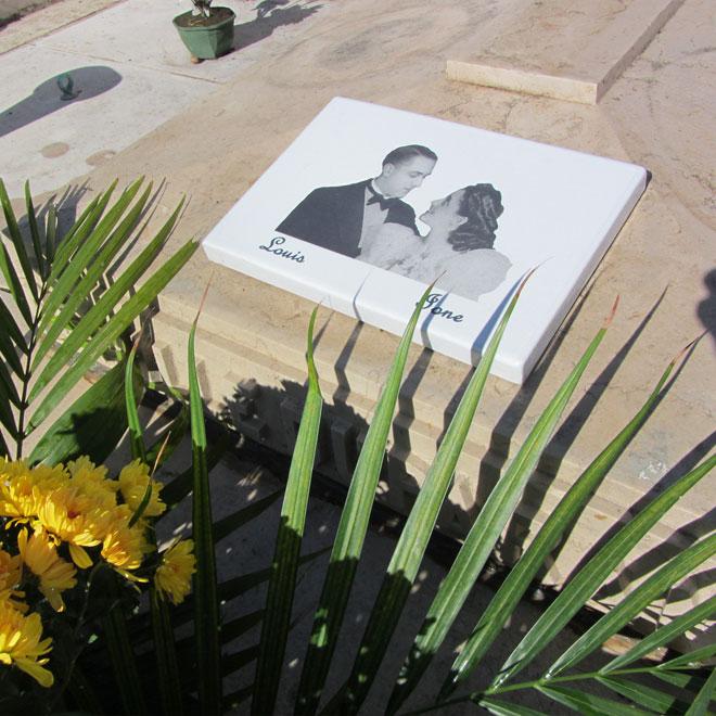 Plaques funeraires en pierre 1: Réalisation en pierre de lave émaillée